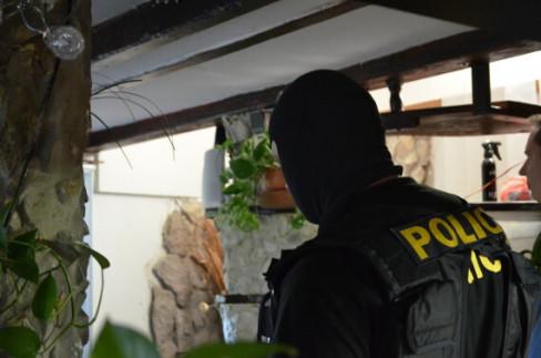 """V rámci operace """"TAT"""" se policistům a celníkům podařilo rozbít  organizovanou skupinu šesti pachatelů c8047b1d372"""